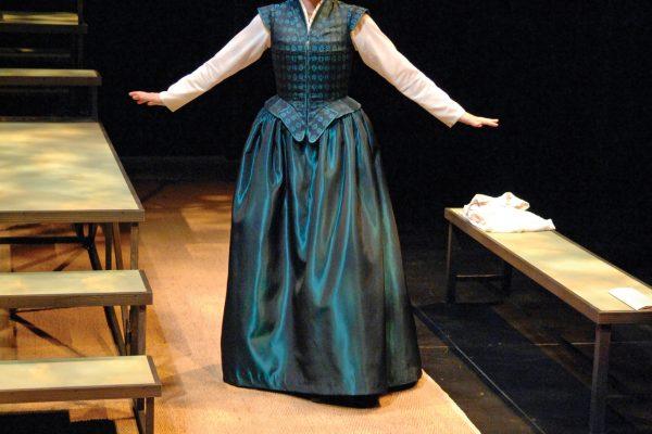 Seana McKenna as Anne Hathaway
